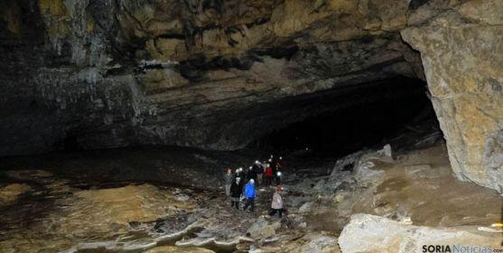 Interior de Cueva Palomera.