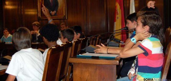Un momento de la sesión plenaria infantil.