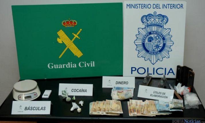 Droga y efectos incautados por la Policía y la Guardia Civil.
