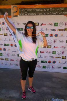 Noelia Sánchez con su medalla de oro