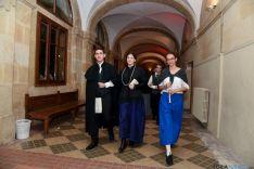 Los alumnos, vestidos de época, han teatralizado la orden.