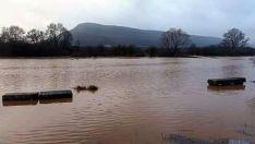 El agua anega amplias zonas en Valonsadero. / SN
