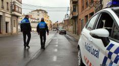 Dos de los tres vigilantes municipales con los que cuenta Ágreda. / SN