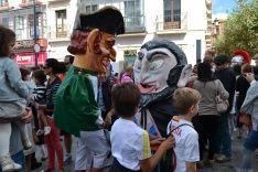 Imagen del desfile de gigantes y cabezudos por las calles de Soria. /SN