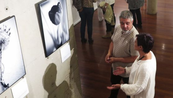 Presentación de la exposición 'Interior Acuario' de Encarna Mozas y Tomás Sánchez.