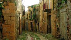 Una calle de un pueblo despoblado en Italia./labioguia.com