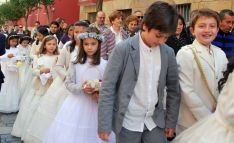 Niños en la procesión del Corpus./SN