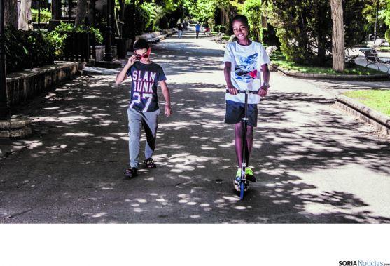Dos niños saharauis en Soria./SN