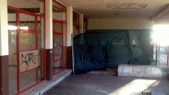 El antiguo restaurante se encuentra cerrado y en desuso.
