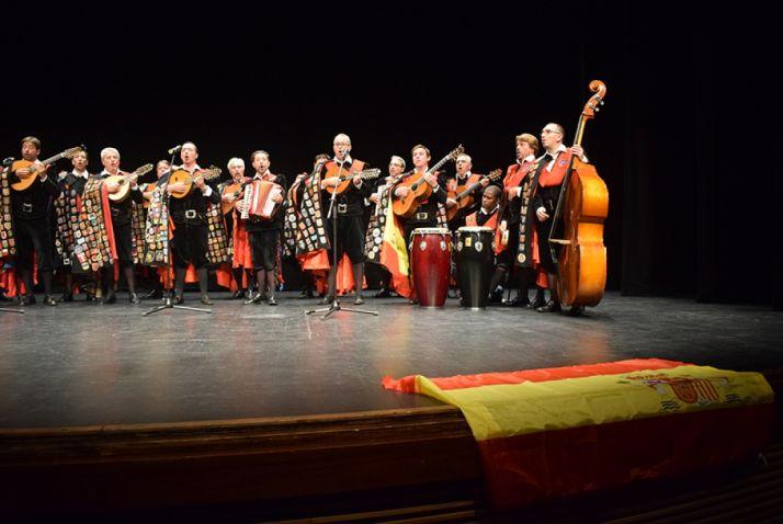 Tuna universitaria de Barcelona, en el concierto de de ayer. /SN