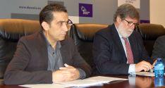 A la izquierda, Vicente Andrés (CC OO) y Santiago Aparicio (CECALE), en una imagen de archivo.