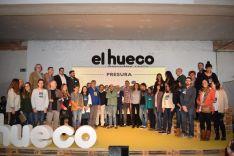 Foto del grupo de colaboradores y voluntarios que han hecho posible el desarrollo de la Feria organizada por El Hueco. /SN