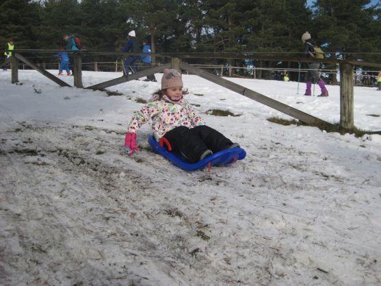 La nieve ha hecho disfrutar a grandes y pequeños
