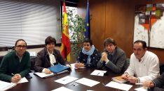 Gustavo Martínez (izda.), Aránzazu Vallejo, Ana Alegre, Carlos Martínez y Benito Serrano este jueves.