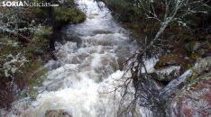 Los ríos de la Comarca de Pinares aguanta, de momento, sin desbordamientos.