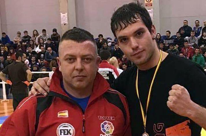 Héctor Millán (dcha.) y su entrenador, Georgi Lilov.