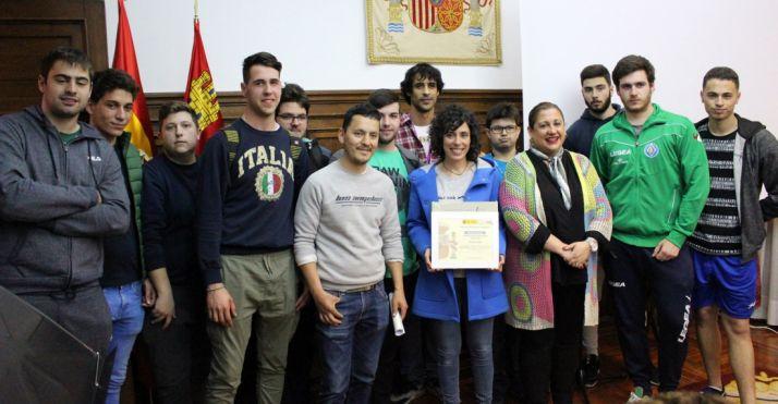 Alumnos del Pico Frentes en la sede de la Subdelegación del Gobierno. /Subdeleg.