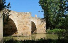 Puente en Langa sobre el río Duero