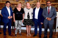 Luis Rey, (dcha.) junto los presidentes de diputaciones y la comisionada (ctro.). /Subdeleg.)