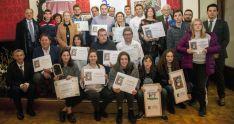 Foto de familia de los premiados en esta edición de la Tapa Micológica. /FOES