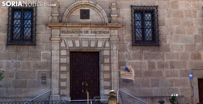 Entrada a la Delegación de Hacienda en Soria. /SN