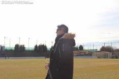José Alejandro Huerta, de espaldas, en la Ciudad del Fútbol. SN