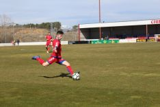 David Clavero se dispone a golpear un esférico en Soria. Imagen del propio futbolista en sus Redes Sociales