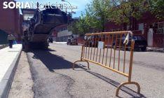 Máquina de asfaltado en una campaña en la capital. /SN