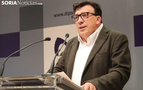 El diputado Cedazo en la rueda de prensa