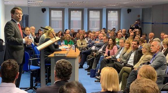 Fernández Mañueco, en su intervención en el foro sobre sanidad celebrado este miércoles en Valladolid.