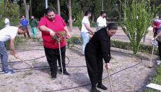Miembros de la comunidad gitana en un taller de empleo. /UR