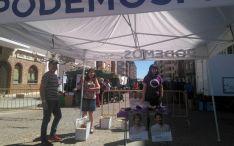 La carpa de la formación en el mercado de Almazán este martes. /PS