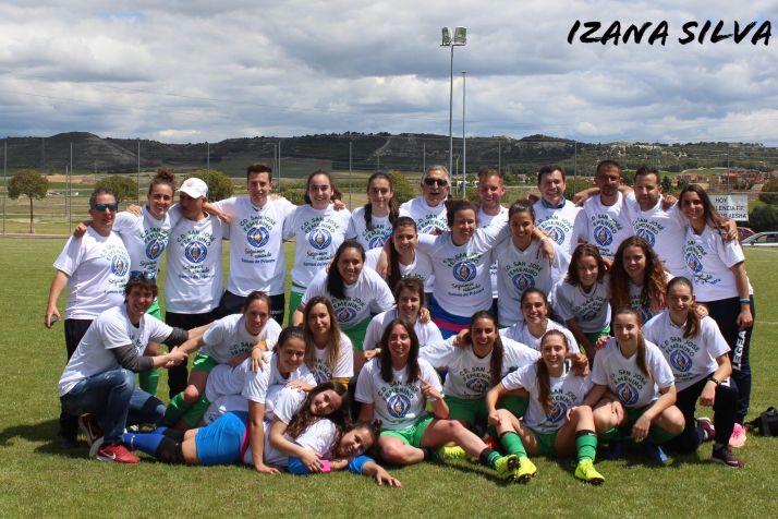 El San José femenino gana al Palencia (2-5) y asciende a la Primera autonómica de Castilla y León. Izana Silva