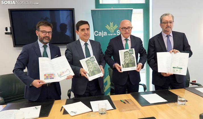 Munilla (izda.), Martínez, Barca y Dominguez, este lunes en la presentación del documento.